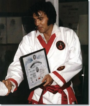 elvis_sept_9_1974_karate_7th